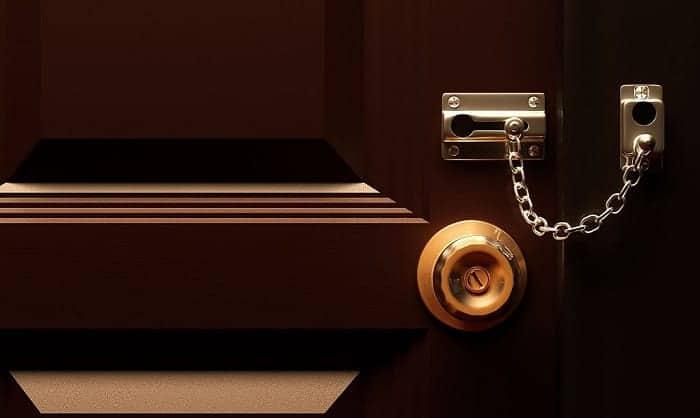bedroom-door-security