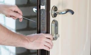 how to remove door lock cylinder without key
