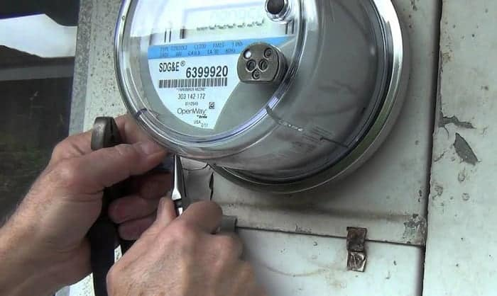how to remove electric meter lock