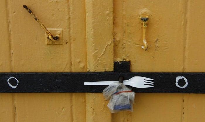 bedroom-door-lock-from-outside