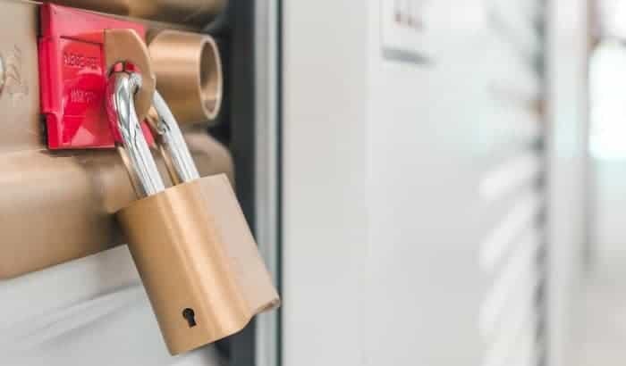 exterior-garage-door-lock
