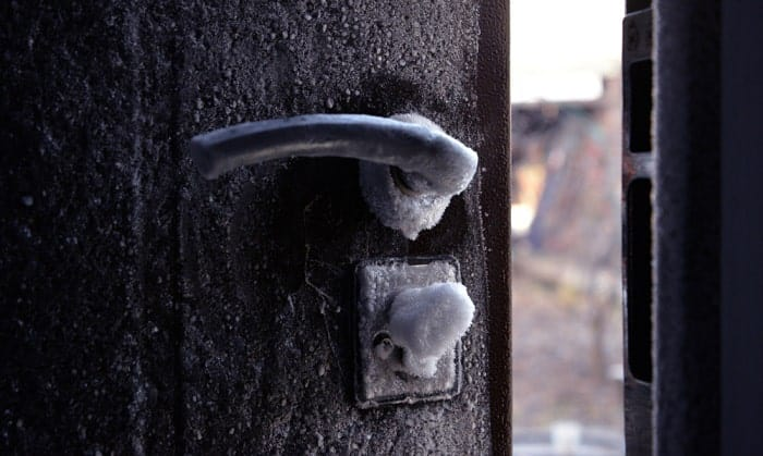 keep-padlocks-from-freezing