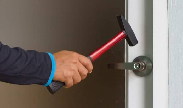 how to break a lock with a hammer