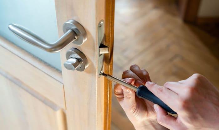 how to change a front door lock