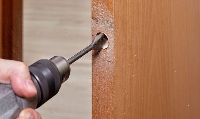how-to-lock-barn-door