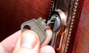 how to remove a broken key from a lock