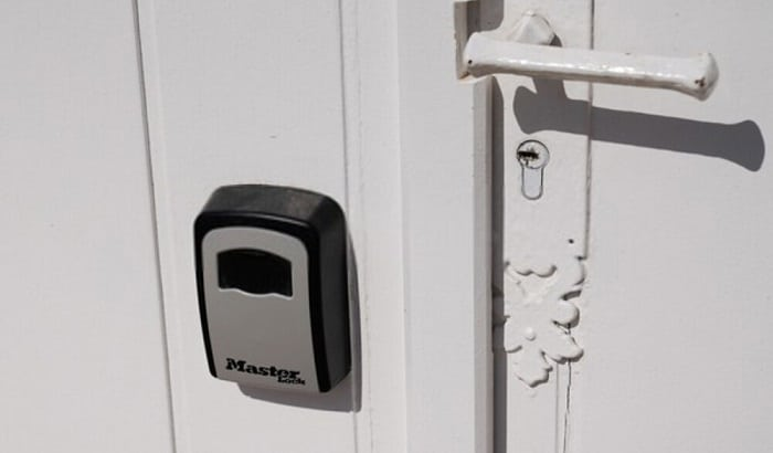 unlock-a-3-dial-combination-lock